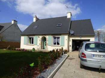 AHIB-1-ID2188 Le Cambout 22210 3 bedroomed detached pavillon with nice garden and garage.