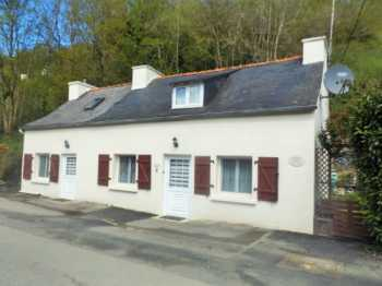 AHIB-3-AM Port Launay 29150 Charming,2 bedroomed stone built fishermans cottage,
