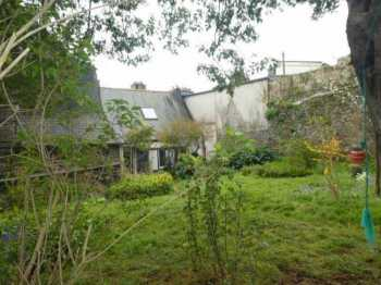 AHIB-3-mon1933 Morlaix 29600 Two bedroomed apartment in the old quarter with garden