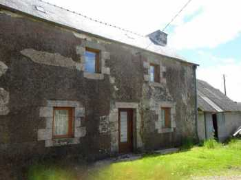 AHIB-3-mon1766 Scrignac 29640 Charming house in need of completion of work with small garden