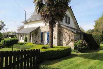 AHIB-2-PS-1106 Le Roc-Saint-André 56460 3 bedroomed house with 789m2 garden