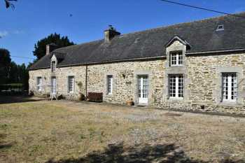AHIB-2-M209924 Reguiny 56500 Renovated longere divided into 2 cottages with 1.48ha land, outbuilding with garage, workshop and stable, cider barn and open hangar