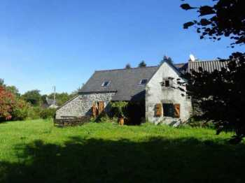 AHIB-3-mon1844 Le Cloitre St Thegonnec Detached longere with 2914m2 grounds