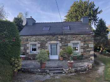 AHIB-3-M2173-2914978 Nr Loqueffret 29530 Very charming cottage with a 2nd one to renovate, also a hangar with 1900m² of garden!