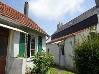 AHIB-3-mon1763 St Martin des Champs 2 bedroomed house with little house outbuilding and walled garden