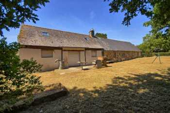 AHIB-2-DN-597 Kergrist Nr Pontivy 56300 4 bedroomed detached longère set in 1/3 of an acre