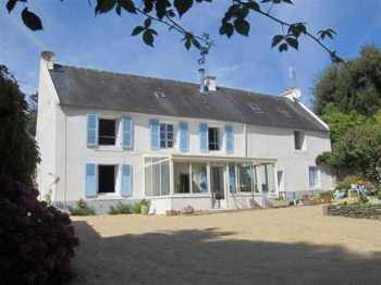 AHIB-3-mon1868 St Martin des Champs 3 bedroomed house with 1459m2 garden near shops/schools