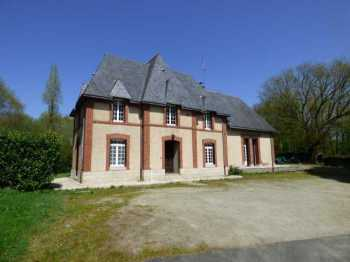 AHIB-1-ID2168 Laurenan 22230 Village centre 4 bedroomed imposing detached former station on 4736m2