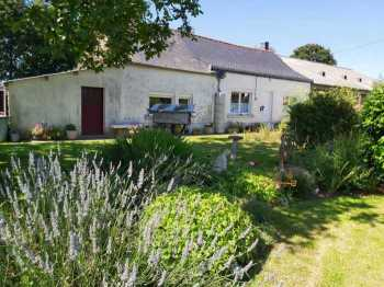 UNDER OFFER AHIB-2-YL-3177 Bréhan 56580 House with 2 bedrooms on one level, in the countryside with 856m2 garden