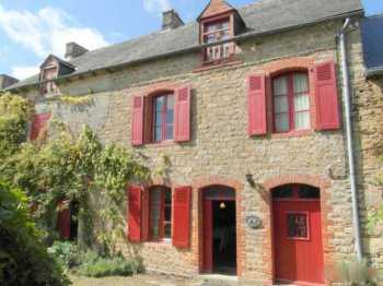 AHIB-1-BB10121-G Evran Area 22630 Charming 3 bedroomed riverside cottage close to Dinan with pretty 5882 garden with outbuildings and garage
