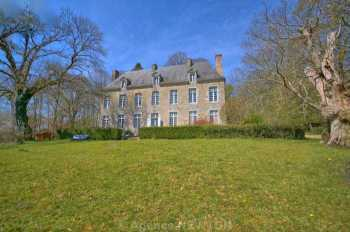 AHIB-2-DN-547 Pluvigner 56330 Historical 8 bedroomed country home with 14 acres on edge of forest