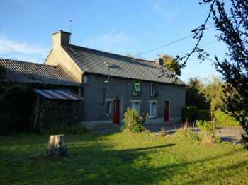 AHIB-2-ID2071 Saint Brieuc de Mauron 56430 5 bedroom house with garage, hangar and 13733m2