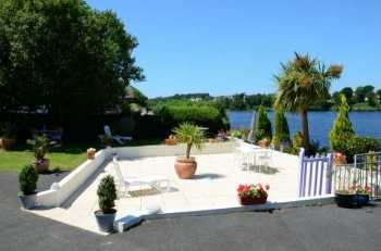 AHIB-3-M2176-2914965 Huelgoat 20690 Superb house overlooking the lake, B&B or family house, studio, terraces and garden!
