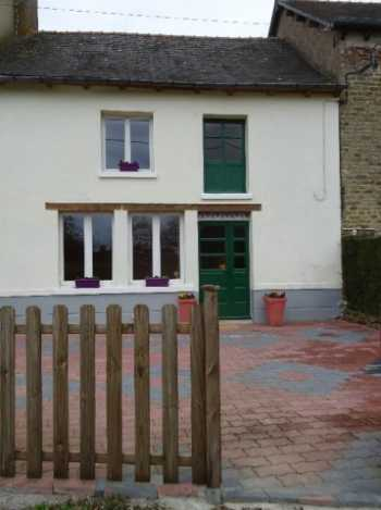 AHIB-2-M210121 Evriguet 56490 Beautifully renovated mid terrace cottage situated within walking distance to the village of Evriguet, Morbihan.