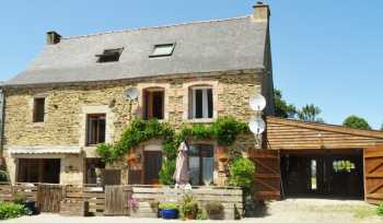 AHIB-2-M213647 La Croix-hellean 56120 Large semi detached 5 bedroom traditional Breton property with character on 2090m2 garden