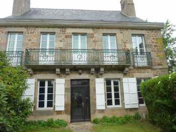 AHIB-4-BB9792-FD Hédé-Bazouges Area 35630 Elegant 8 bedroomed mansion with 3155m2 walled garden