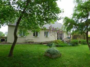AHIB-1-ID1931 Plumieux 22210 Very nice 3 bedroomed house with established garden of 2274m2.