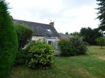 AHIB-1-ID1996 Plemet 22210 Semi-detached 3 bedroomed cottage surrounded by 1200m2 garden