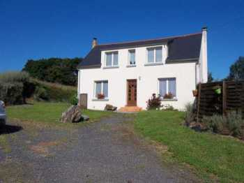 AHIB-3-M2143-2914931 Scrignac Area 29640 Nice rural property, a lovely house, an outbuilding and with 5,000m² of land!