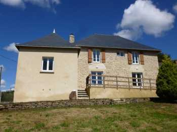 AHIB-2-M2061351 Plumelec 56420 4 bedroomed house with 830m2 garden
