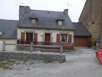 AHIB-2-ID2019 – La Trinite Porhoet 56490 3 bedroomed house in village with garage and small garden,