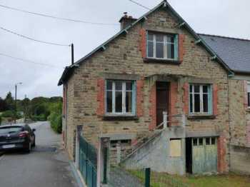 AHIB-1-ID2295 Merdrignac 22230 Semi detached house with 386m2 garden.
