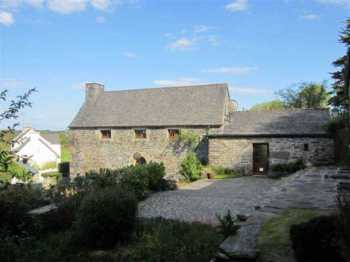 AHIB-3-mon1854 Le Cloitre St Thegonnec Pretty property with outbuildings on 8400m2