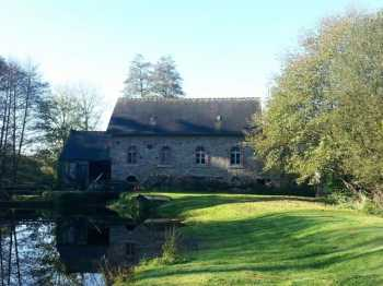 AHIB-JS1764940 Lac de Guerledan/Mur de Bretagne Area 22460 Watermill, 3 bed house, barn, lake, rivers, almost 2 acres land
