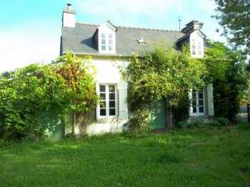 AHIB-3-M2144-2914941 Nr Brasparts 29190 Very attractive 2 bedroom rural cottage with 1,000m² of garden and hangar, not far from a village!