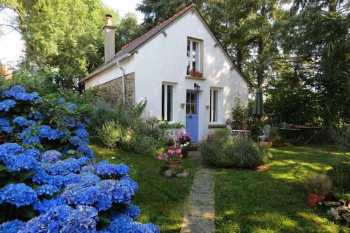 AHIB-2-PS-1104 Rohan 56580 Gorgeous 1 bedroomed cottage with charming little garden