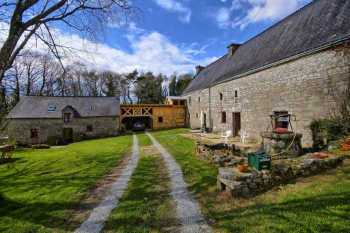 AHIB-2-DN-578 Near Pontivy - Small country manor house with separate cottage on half an acre