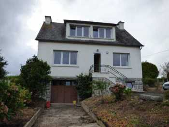 AHIB-1-ID2342 La Prenessaye 22210 4 bedroom detached house with full basement and almost 2 acres!