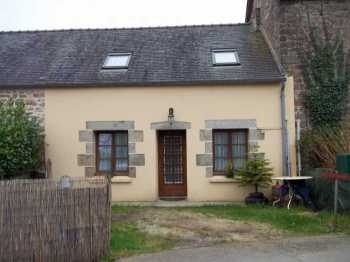 AHIB-3-M1909-2914792 Huelgoat 29690 Perfect 'lock up and leave cottage' with a little courtyard in a lovely environment!