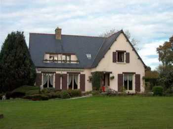AHIB-3-M2033-2914871 Poullaouen Area 29246 Very attractive 6 bedroomed rural Neo-Bretonne with nearly one acre of garden, no neighbours too close!