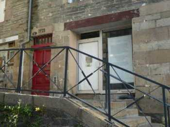 AHIB-3-mon1990 Morlaix 29600 Exciting project! Ground floor 'apartment' to completely renovate... lovely old features