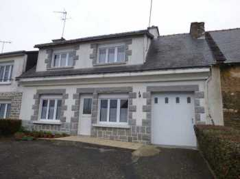 AHIB-1-ID2173 Plumieux Terraced house with 4 bedrooms, garage and 529m32 garden