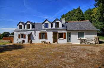 AHIB-2-DN-595 Kergrist Nr Pontivy 56300 Lovely detached 4 bedroomed renovated longère with almost 2.5 acres