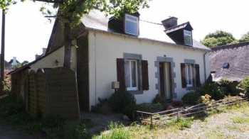 AHIB-1-JS2576 Le Haut-Corlay (22320) 2 bedroomed house with 70m2 living space...
