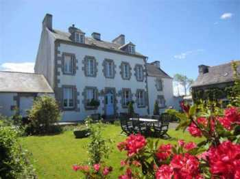 AHIB-3-mon1857 St Thegonnec Magnificent and characterful 8 bedroom property on 2847m2