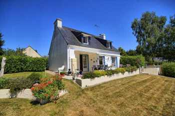 AHIB-2-DN-596 Guemene sur Scorff Pretty detached neo Breton house with 1/3rd acre garden