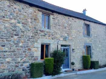 AHIB-1-AM Rouillac 22250 Renovated 4 bedroomed family house + gite on 690m2 garden