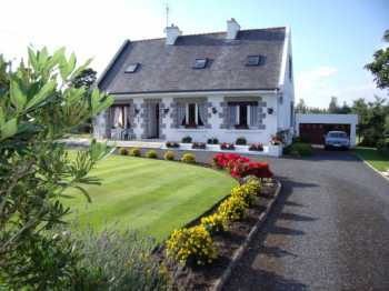 AHIB-1-AM-Plougernevel 22110 4 bedroomed detached established B&B with an acre of award winning gardens.
