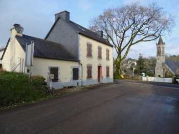 AHIB-3-JD-3215 • Locmaria Berrien • Nr Huelgoat • 29690 • Detached 4 Bedroomed Village House and 215m2 garden