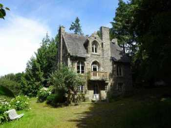 AHIB-3-mon1927 • Nr Morlaix, Early 20th Century Villa 3/4 Bedrooms on 1 Hectare of Land