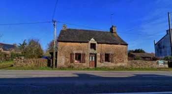 AHIB-2-DN699 • Réguiny • 3 Bedroomed Cottage in Hamlet for Renovation/Finishing on1,294m2