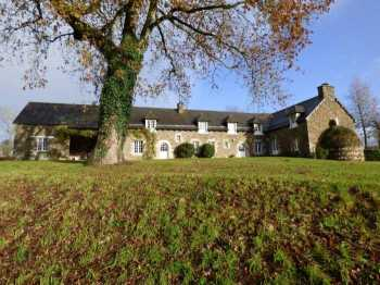 AHIB-1-ID1829 La Ferriere 22210 Lovely 4 bedroomed detached house with 5884m2 grounds and stables.