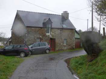 AHIB-1-ID1856 - Saint Goueno 22330 Little stone cottage to renovate with small garden.