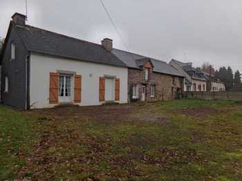 AHIB-2-ME-2153 Mauron 56430 Longere in 3 units on 1590m2 to renovate...