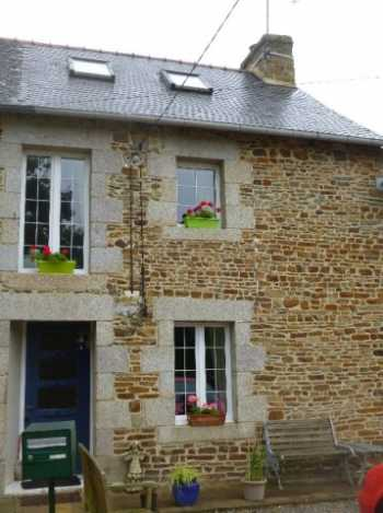 AHIB-2-M20702101 Guilliers 56490 Beautifully Renovated 2 bedroomed End of terrace cottage in hamlet setting