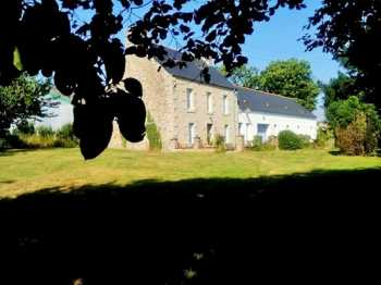 AHIB-1-AM-2 Carnoet 22160 3 Bedroom Breton Farmhouse with Large Outbuilding - 366m on 2307m2 grounds